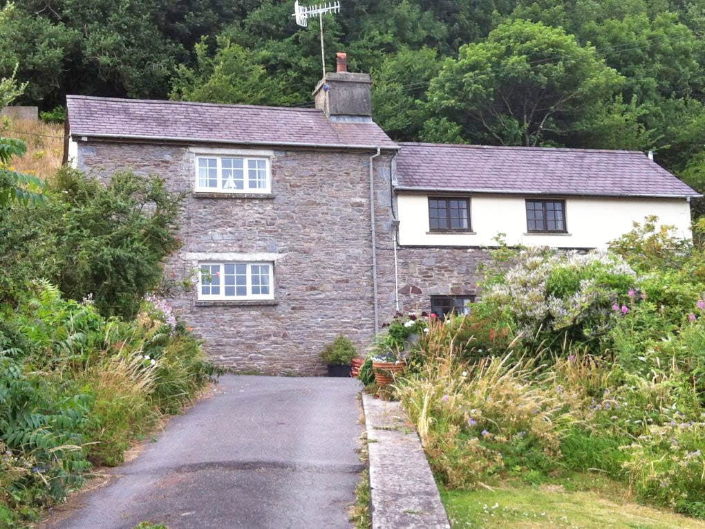 Gower Holiday Cottages Dog Friendly