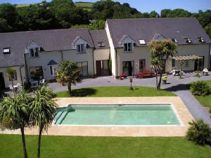 3 Innisfree Cottages Holiday Cottage Near Beach In Llansteffan With Swimming Pool West Wales