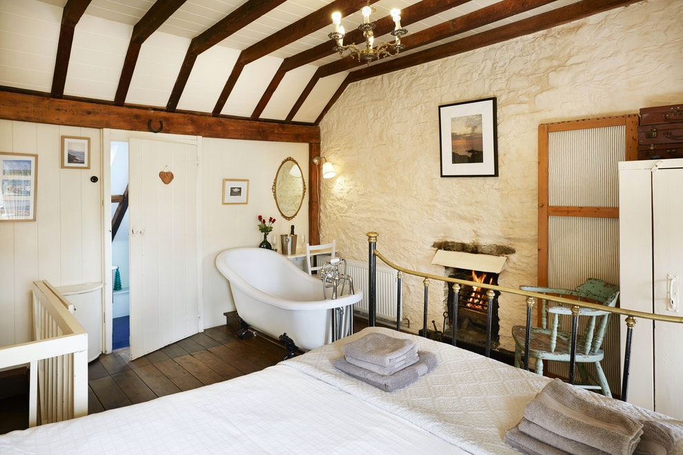 Bryn Y Gof Romantic Cottage Near New Quay Dog Friendly Sleeps 2