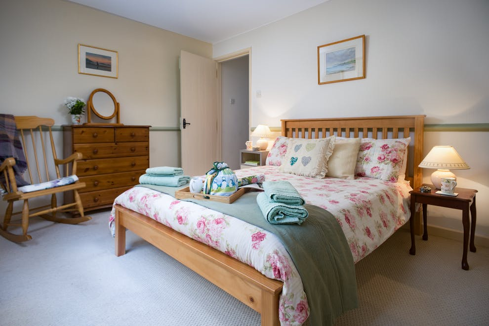 Gwastod Country Cottage In Cwmsychpant Near Lampeter Sleeps 48 Enchanting Country Cottage Bedrooms Model Property