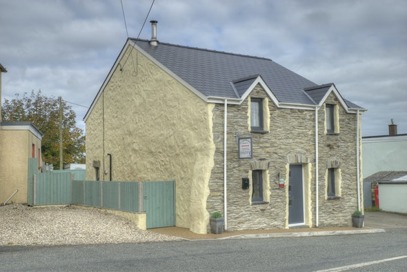 Ty Canol, a detached stone cottage