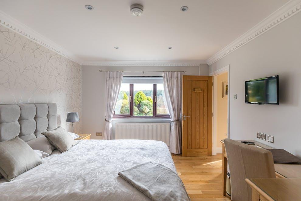 Cool Woodland View Luxury Apartment In Porthyrhyd Near Uwap Interior Chair Design Uwaporg