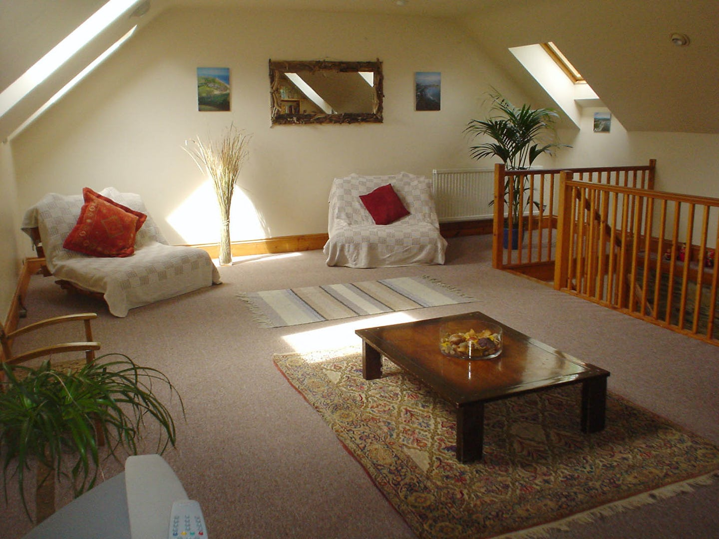 Ceridwen centre large group pet friendly cottage at pen for Living room upstairs