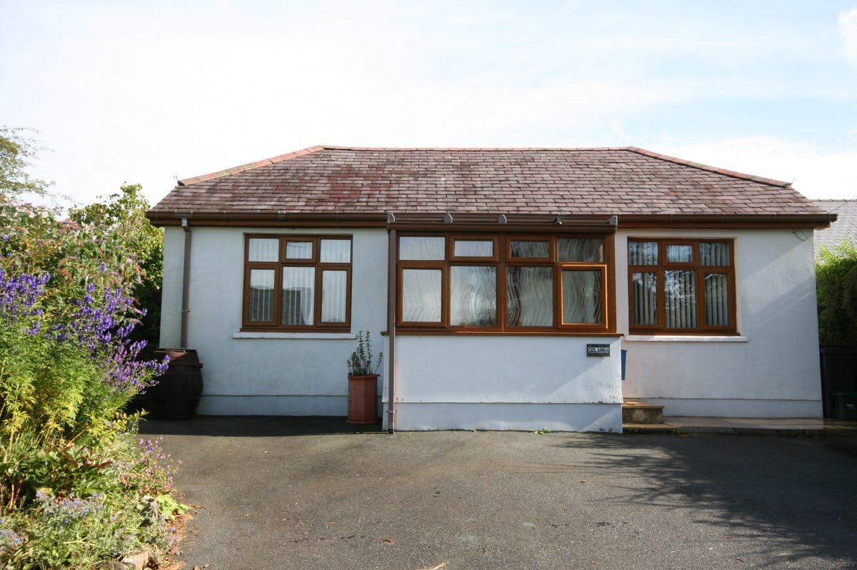 Dolanna Country Cottage In Mid Wales Sleeps 4
