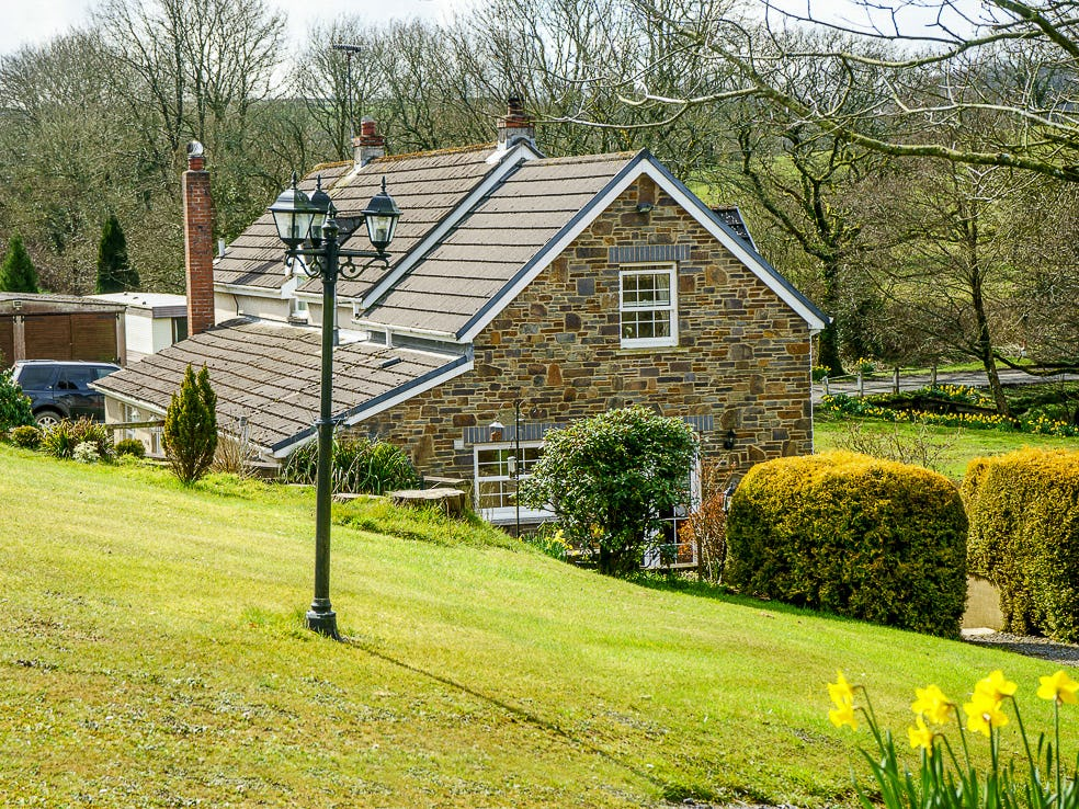 Glanrhyd  cosy country cottage for 2 in Pembrokeshire can sleep up to
