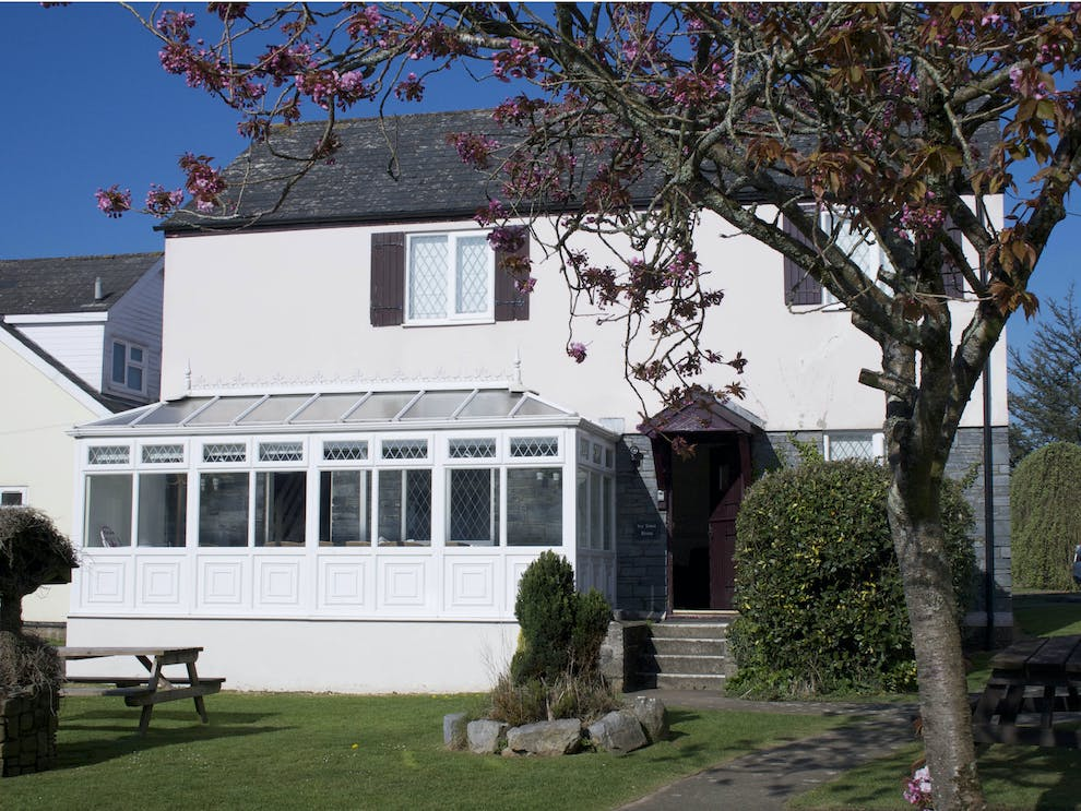 Ivy Tower House Large Pet Friendly Coastal Cottage In St Florence Pembrokeshire Swimming