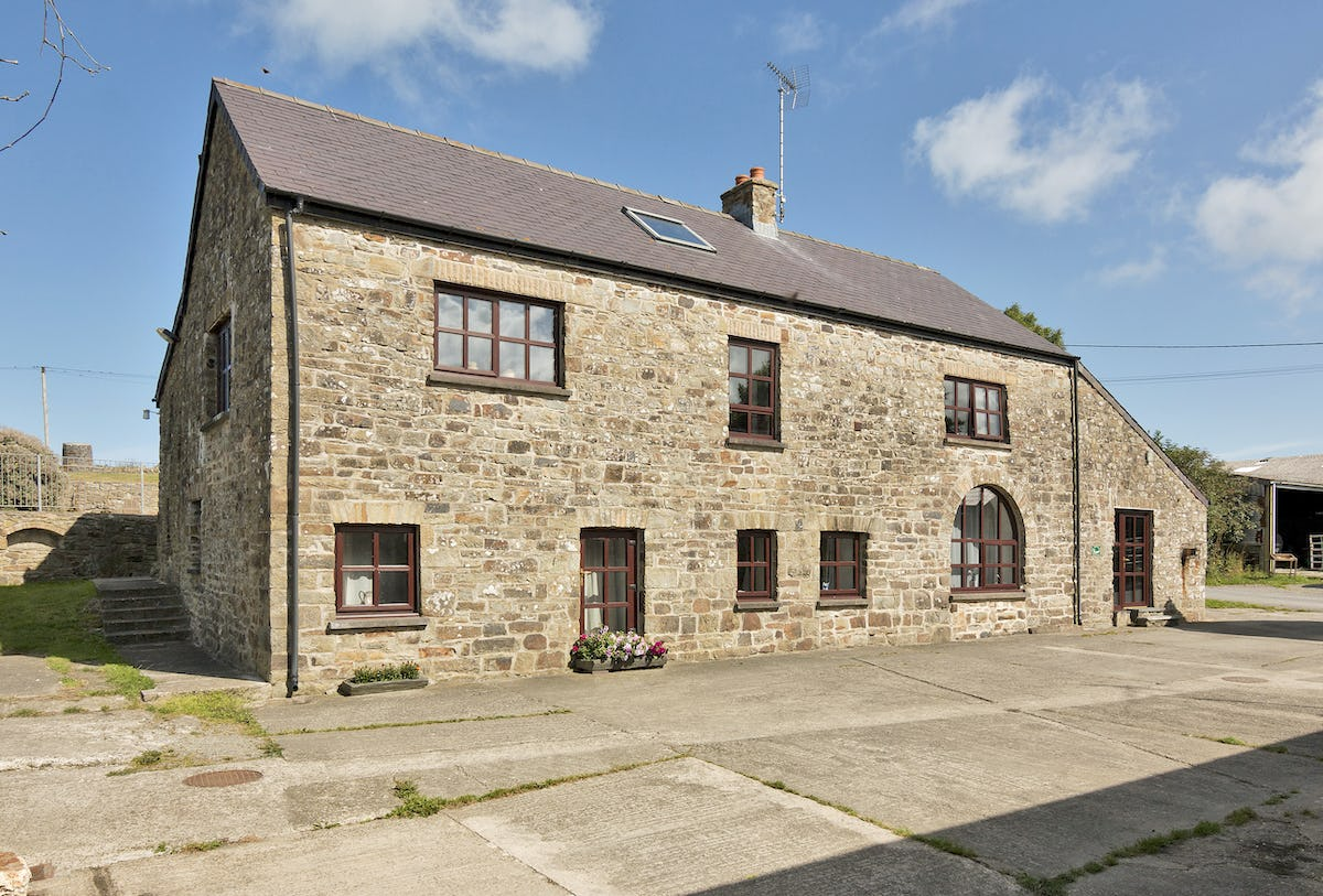 Morfa Bay Cottage Luxury Pet Friendly Holiday Cottage On Morfa Ganol Farm Llangrannog