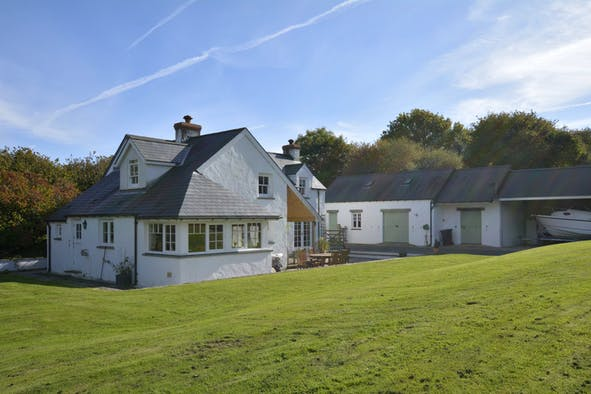 Ol y Don: secluded character cottage