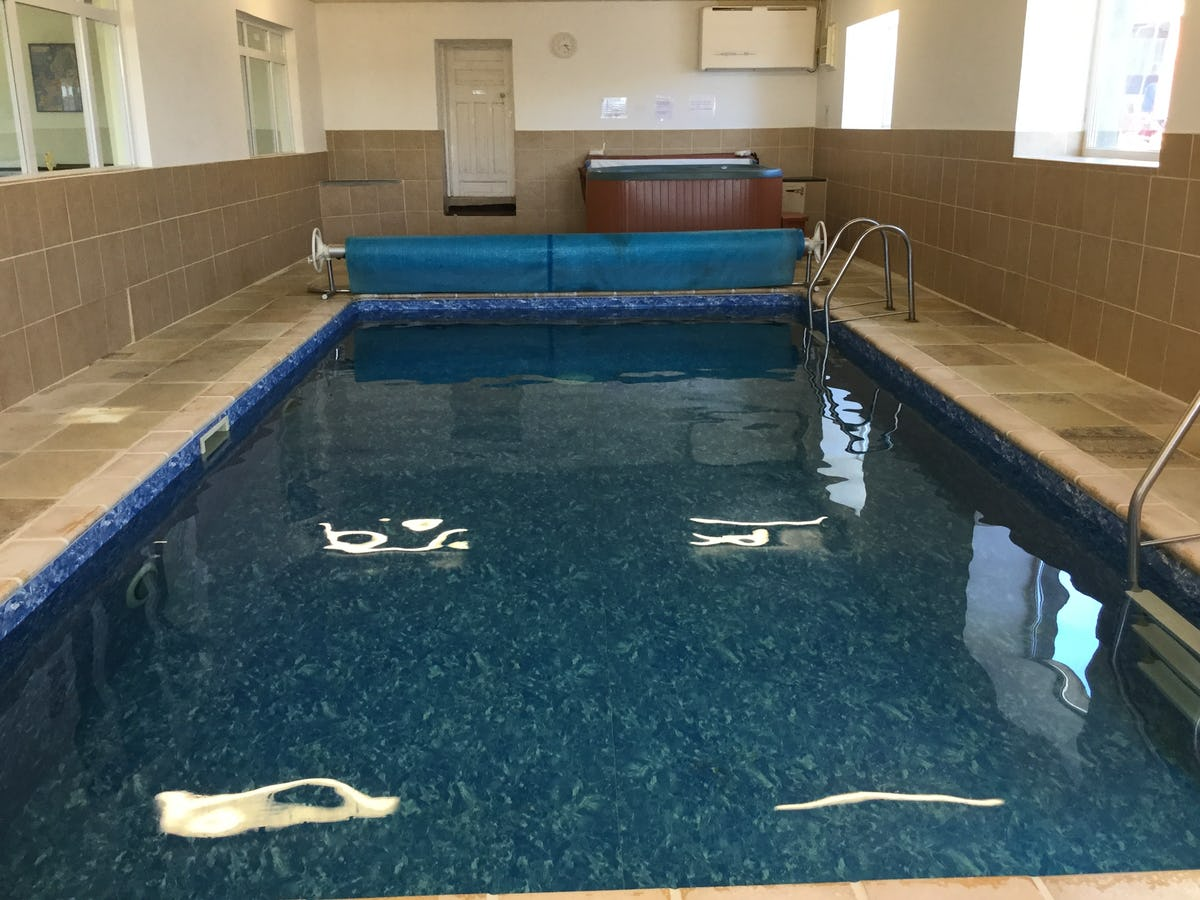 Nyth Y Wennol Luxury Pet Friendly Holiday Cottage With A Shared Swimming Pool On Penwaun Farm