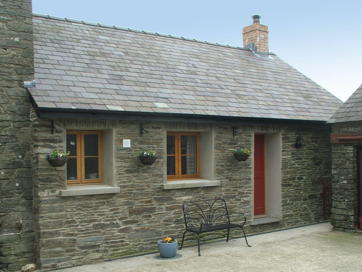 Dog Friendly Cottages With Enclosed Garden