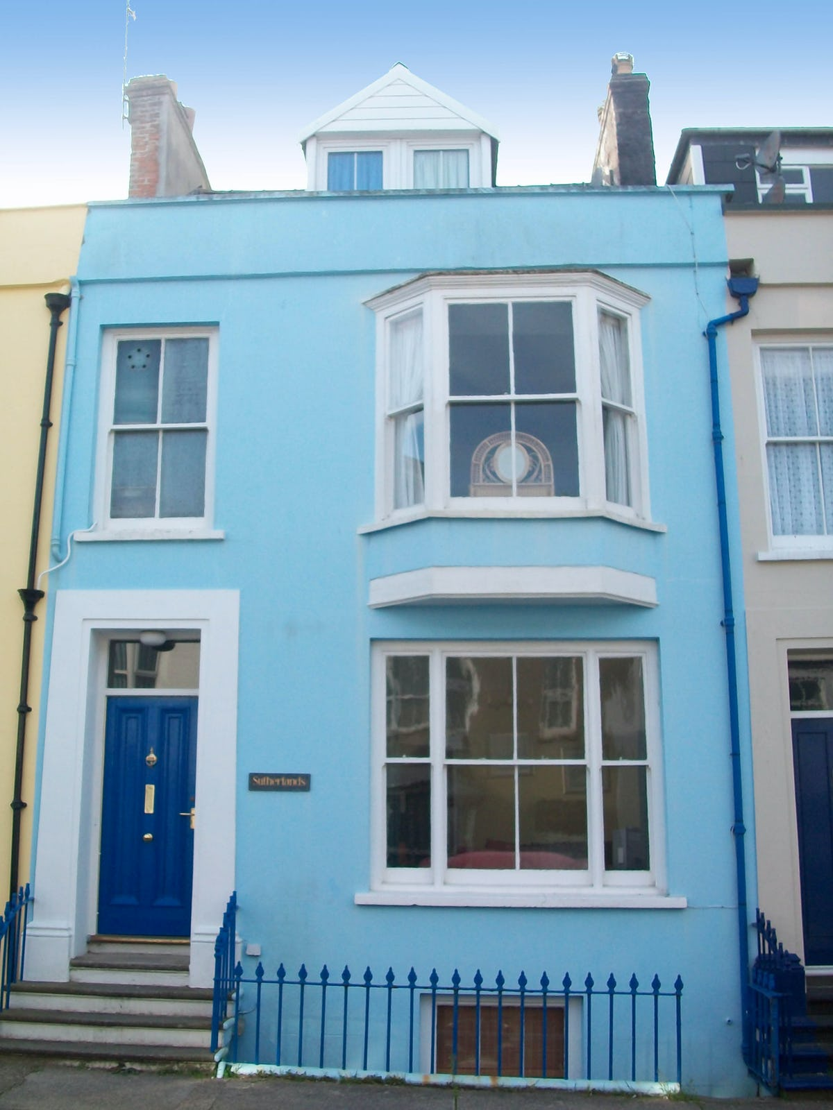 Sutherlands Family Friendly Holiday Cottage In Tenby