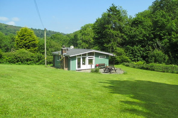 Tan y Llan: secluded cabin