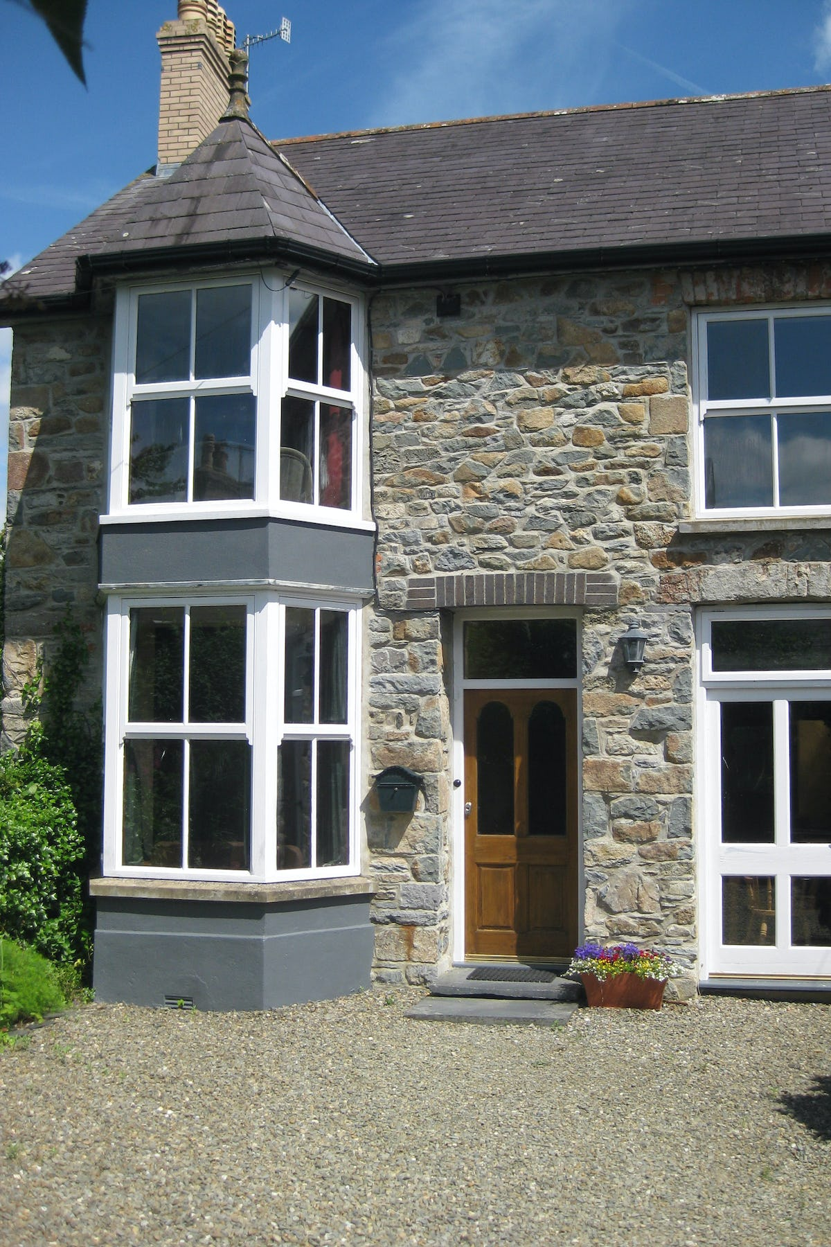 Uplands Coastal Cottage In Newport Pembrokeshire Sleeps