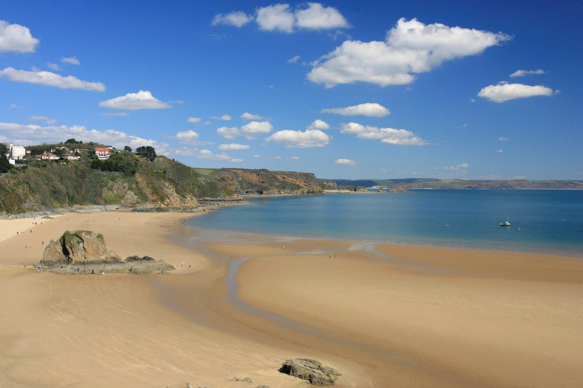 Harbour Breeze Tenby Apartment For 2 With Sea Views Near
